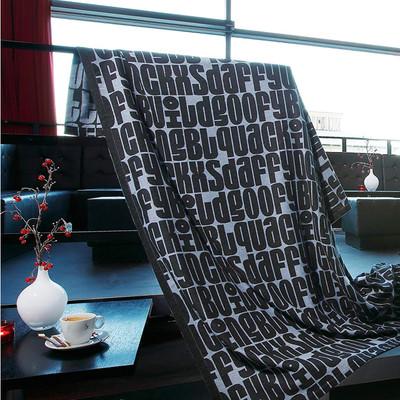 Biederlack Scala Decke TYPO 150x 200cm schwarz / blau Baumwollmischung